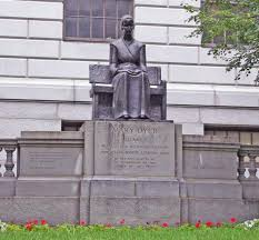 bigger statue of Mary Dyer